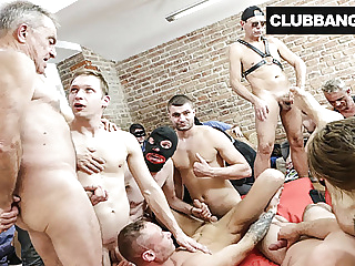 Insane Bareback Bang Boys 8:30 2020-06-03