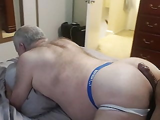Gym Grandpa Flirts With me twink (gay) big cock (gay) daddy (gay)