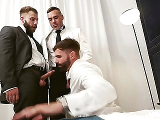 bareback daddy group sex