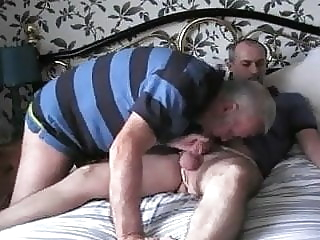 amateur bear handjob
