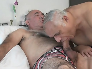 TRAILER O4M HORNY SENIORS daddy hd group sex